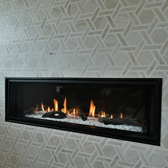 DAL_BargainMansions_E307_Fonte_DA46Hex_fireplace_11web