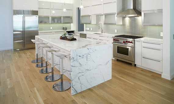 DAL_Viana_Home_001_Kitchen_M475_NQ30_full_53crop